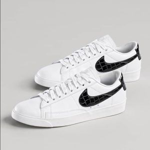 check out 9bbb9 929c0 Nike Blazer Black & White Low Essential Sneakers